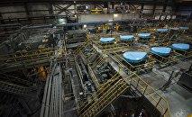 Завод по обогащению золотоносной руды добываемой на руднике Кумтор. Архивное фото