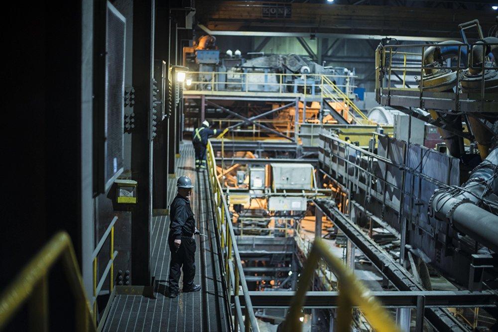 Сердце предприятия — машинный отдел, куда поступает руда