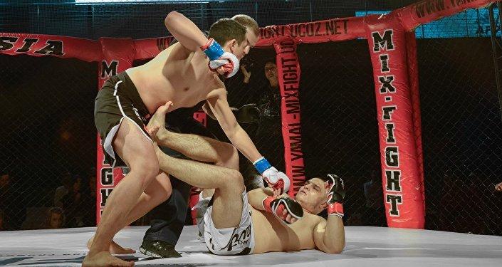 На международном турнире ММА на Ямале кыргызстанский боец провел самый быстрый бой
