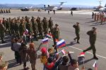 Военные боевого звена Су-24М на авиабазе Хмеймим перед возвращением в Россию