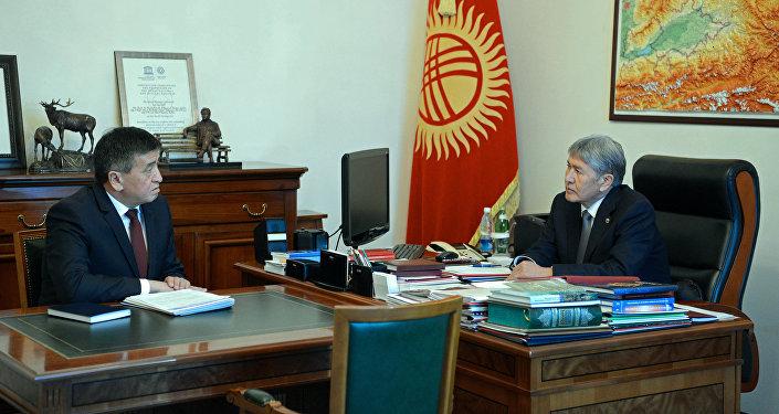 Президент Алмазбек Атамбаев обсудил с премьер-министром Сооронбаем Жээнбековым ход работ по оказанию помощи пострадавшим