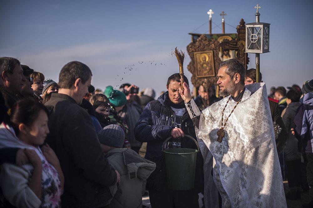 Крещенское купание в селе Ново-Покровка Чуйской области