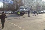 Бишкекте автоунааны эвакуациялоо. Архивдик сүрөт