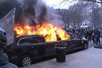 Горящий лимузин и массовые беспорядки – протесты против Трампа в Вашингтоне