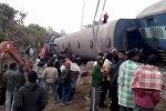 Индиянын Орисса жана Андхра-Падеш штаттарынын чек арасында жүргүнчүлөрдү ташып бараткан поезд рельстен чыгып кетти