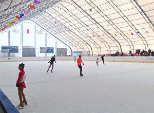 Нарын шаарында заманбап хоккей аянтчасы иштей баштады