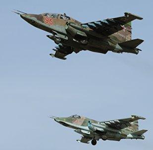 Самолеты Су-25СМ во время учений. Архивное фото