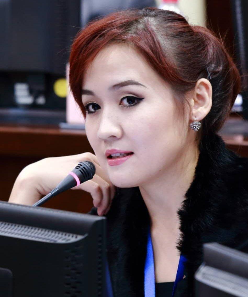 Директор инвестиционно-консалтинговой компании Женни Жениш кызы на Шанхайском Форуме Ноября 2016