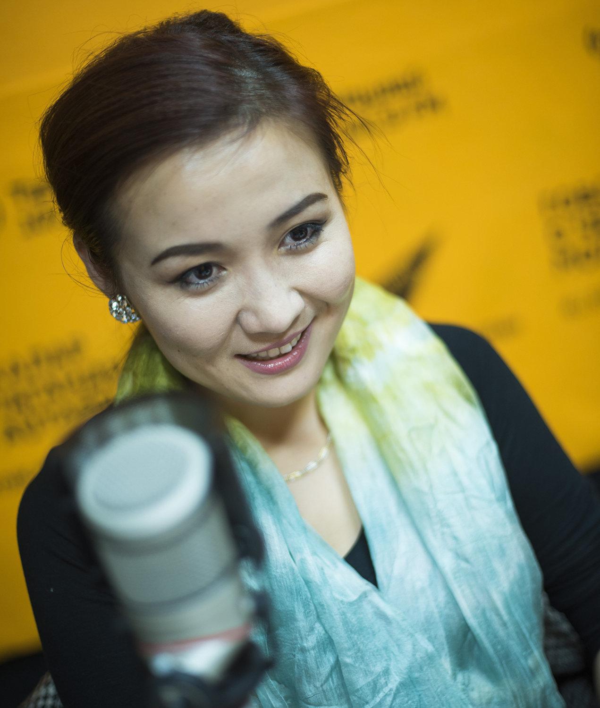 Директор инвестиционно-консалтинговой компании Женни Жениш кызы во время интервью на радио Sputnik Кыргызстан.