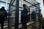 Обвиняемый в разжигании межэтнического конфликта на юге Кыргызстана в 2010 году Азимжан Аскаров в Чуйском областном суде. Архивное фото