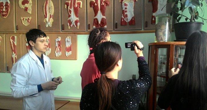 В рамках научно-образовательной поездки кыргызстанские школьники посетили два высших учебных заведения Томска