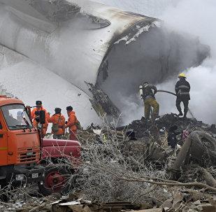 Обломки самолета Boeing-747 потерпевшего крушение недалеко от аэропорта Манас. Архивное фото