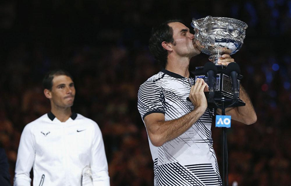 Швейцариялык теннисчи Роджер Федерер Австралиянын ачык чемпионатын бешинчи жолу утуп алды. Финалдык беттеште Федерер испаниялык Рафаэль Надал менен беттешип, оюн 3 саат 37 мүнөткө созулду
