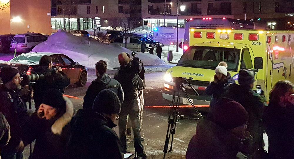 Квебектеги мечитте болгон атышуу жерде тез жардам автоунаасы