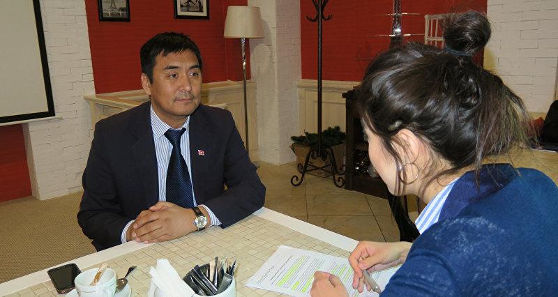 Профессор Высшей школы образования Назарбаев Университет из Кыргызстана Дуйшон Шаматов