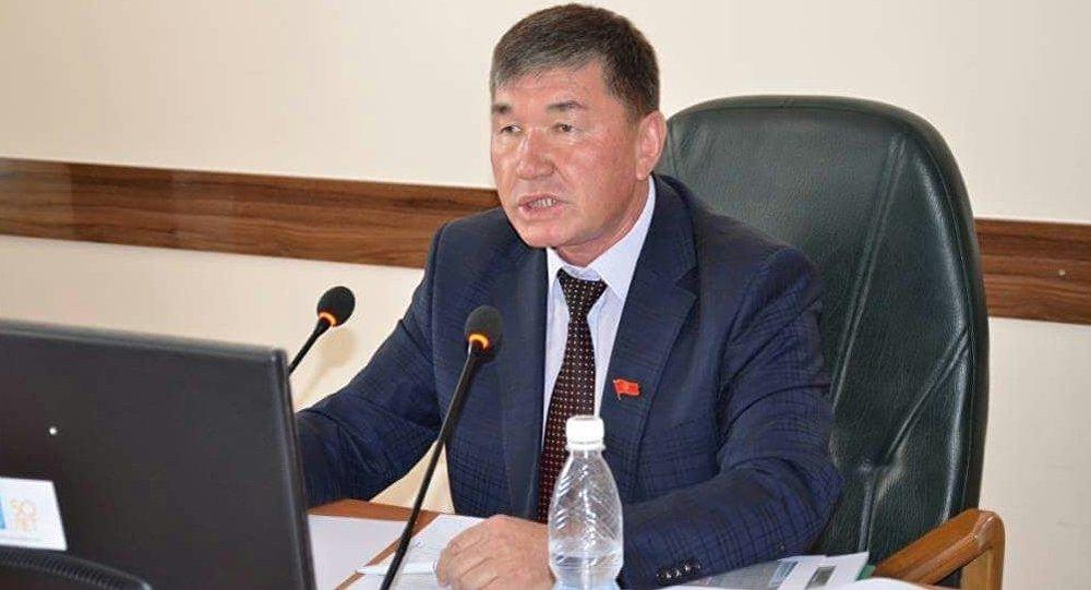 Ош шаардык кеңештин депутаты Алимжан Байгазаковдун архивдик сүрөтү