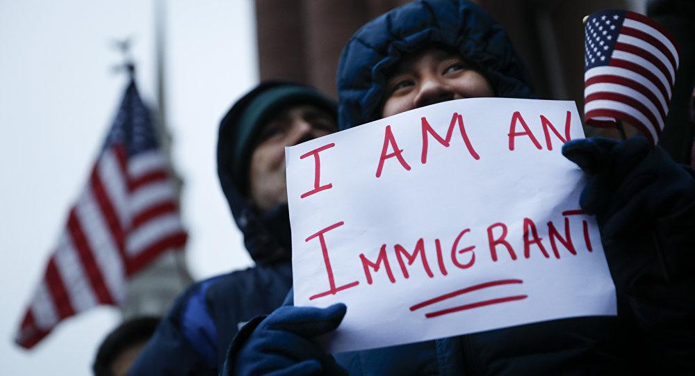 АКШдагы мигрант. Архивдик сүрөт
