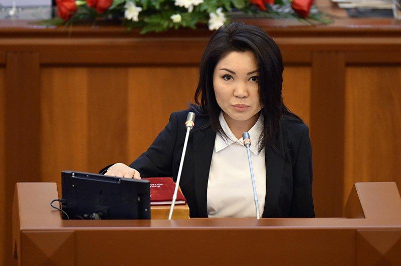 Депутат от фракции СДПК Эльвира Сурабалдиева на первом заседании 6 созыва ЖК. Архивное фото