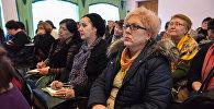 Семинар, посвященный всплеску активности в социальных сетях групп, склоняющих несовершеннолетних к суициду в Бишкеке