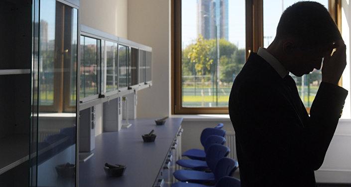Школьник в аудитории. Архивное фото