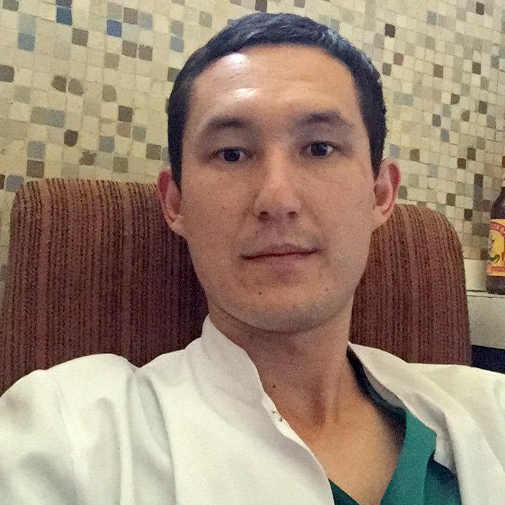 Бишкекский врач Билгуун Бадрах в Эфиопии во время работы