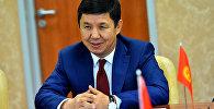 Экс-премьер-министр Темир Сариевдин архивдик сүрөтү