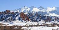 Горы в Джеты-Огузском районе Иссык-Кульской области. Архивное фото