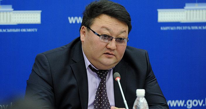 Архивное фото председателя Государственной таможенной службы при Правительстве Кыргызской Республики Азамата Сулайманова