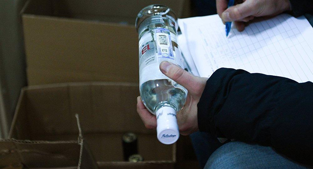 Рейд продажи контрафактного алкоголя. Архивное фото