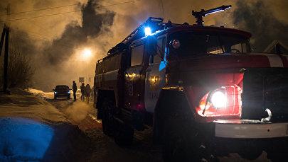 Пожарная машина на месте возгорания. Архивное фото
