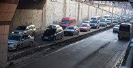 Автомобильный затор на проспекте Манаса в Бишкеке. Архивное фото