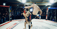 Спортсмены на турнире  с участием 14 бойцовских клубов в Москве