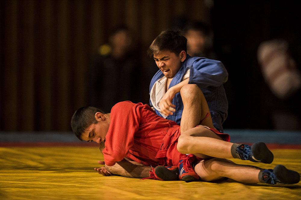Международный турнир по самбо во Дворце спорта имени Каба уулу Кожомкула