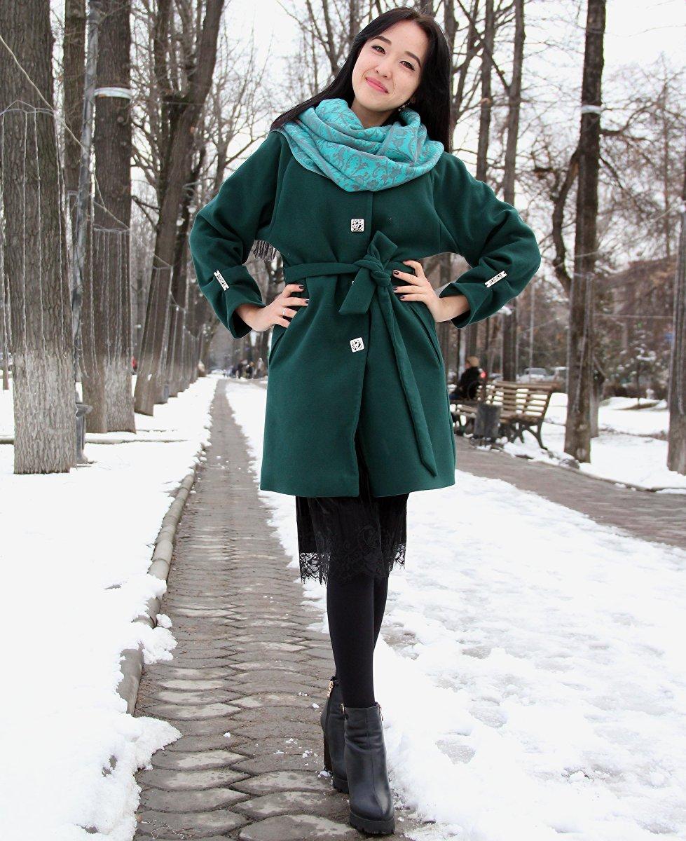 Молодая учительница в одном из бишкекских школ Умут Кудайбергенова во время интервью на информационном агентстве Спутник Кыргызстан