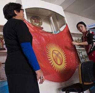 Подготовка к выборам на избирательном участке. Архивное фото