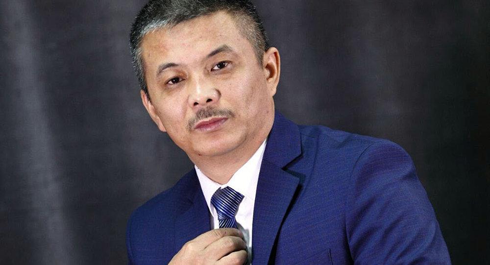 Акын, заслуженный деятель культуры КР Зайырбек Ажыматов. Архивное фото