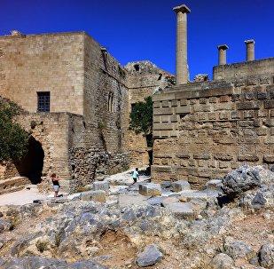 Грециядагы байыркы шаар. Архивдик сүрөт