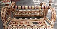 Кыргызский бешик с национальными узорами. Архивное фото