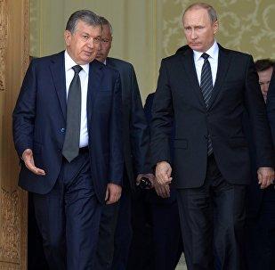 Өзбекстандын жаңы шайланган президенти Шавкат Мирзиёев жана Россия өлкө башчысы Владимир Путиндин архивдик сүрөтү