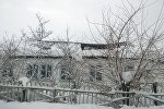 14-февралда Котормо айылынын №18 Чокоев мектебинин чатыры кардын калың жаагандыгынан улам түшүп кетти
