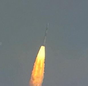 Запуск ракеты с 104 спутниками в Индии