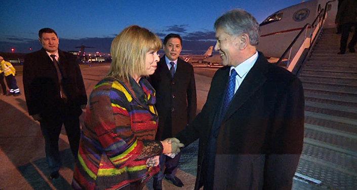 Могерини сообщила Атамбаеву о значимости честных исправедливых выборов