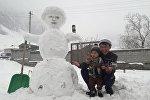 Снеговик сделанный жителем Оша