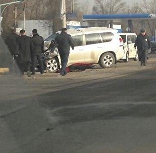 Sprinter ехал по улице Васильева, а джип Toyota Land Cruiser Prado по улице Фучика направлялся в сторону аэропорта Манас. Архивное фото