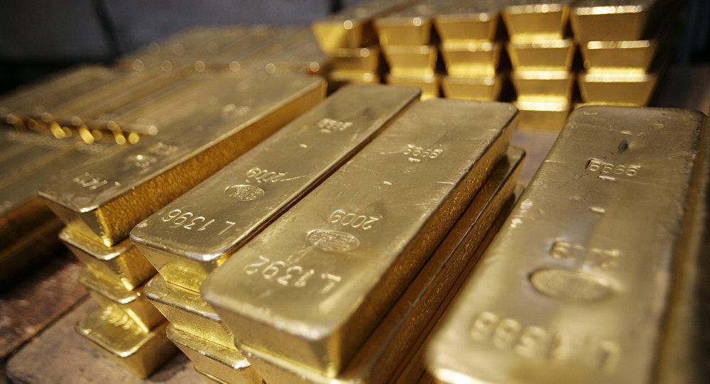 Слитки золота в хранилище. Архивное фото
