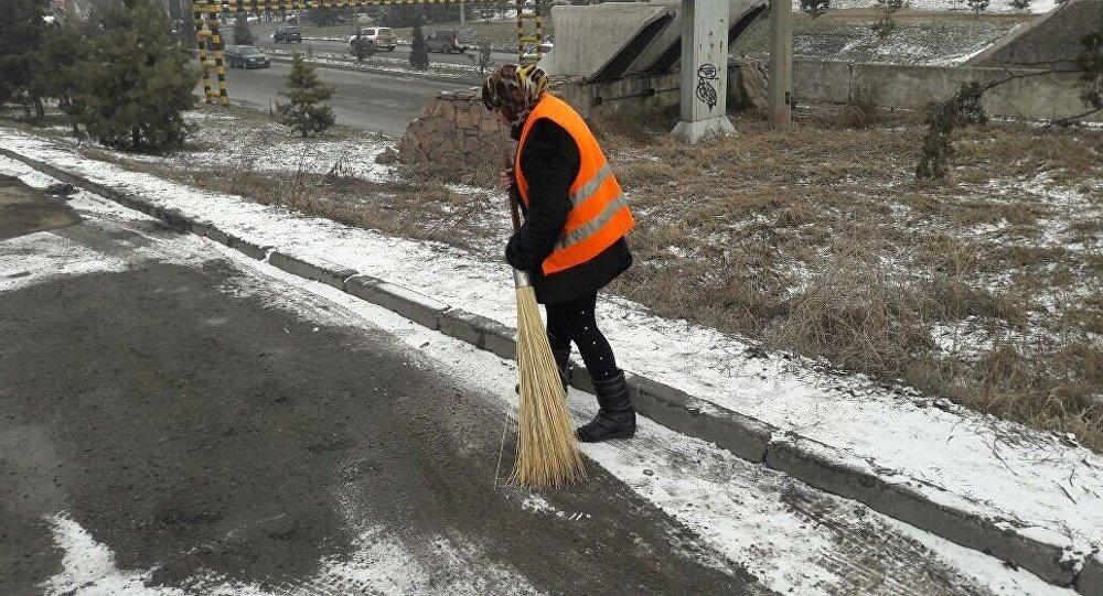 Привлечение нарушителей порядка к общественным работам в Бишкек