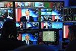 Президент КР Алмазбек Атамбаев во время интервью телеканалу Евроньюс