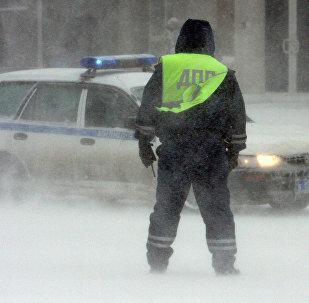 Сотрудники дорожно-патрульной службы. Архивное фото