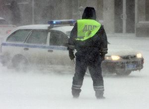 Полиция кызматкери. Архивдик сүрөт