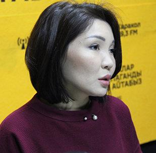 Жогорку Кеңештин депутаты Элвира Сурабалдиеванын архивдик сүрөтү
